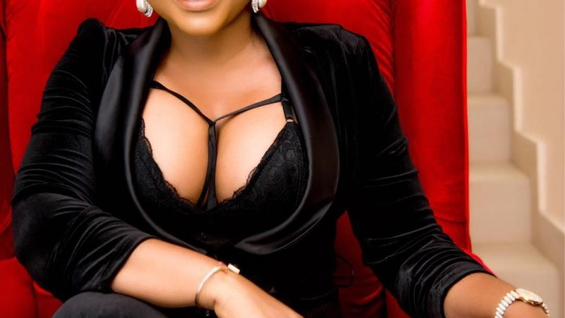 Mercy Aigbe Teases Fans As She Shows Cleavage In Sultry New Photos, Nigerians React