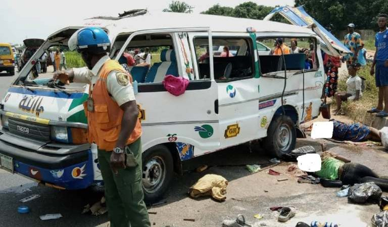 3 Dead, Many Injured As Bus Somersaults In Bloody Crash, Another Prominent Nigerian Dies After Chest Pain Complaint..MORE